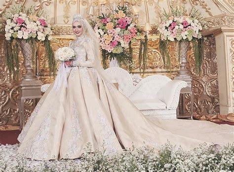 Lsbst53 Gaun Pengantin Murah Tidak Berekor 12 panduan dalam memilih jilbab untuk pengantin muslimah panduan nikah