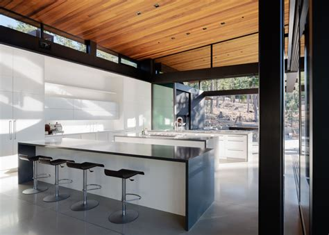 John Maniscalco Completes A New Home Surrounded By Nature