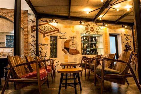 dekorasi cafe bergaya vintage industrial ngopi asyik