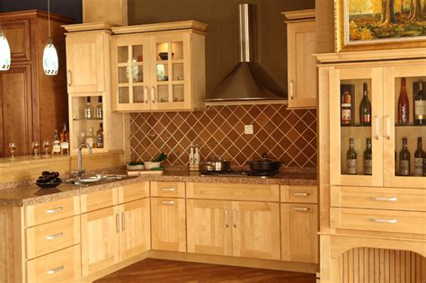 Natural Maple Kitchen Cabinets Photos | have the natural maple kitchen cabinets for your home my