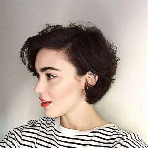 keepinghair behind the ears good looking short bob haircuts short hairstyles 2017