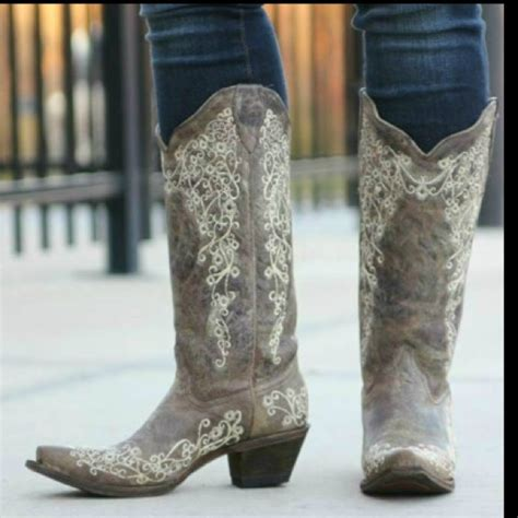 57 corral boots shoes corral s boots size 6