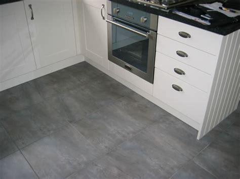 Kitchen Floor Porcelain Tile Ideas by White Ceramic Kitchen Floor Tiles Morespoons 04a7a3a18d65