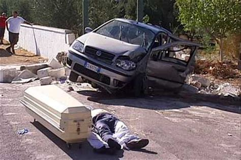 incidente vasco incidenti stradali una strage senza e 30 feriti ogni