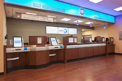 bank branches how big banks are overhauling the branch experience