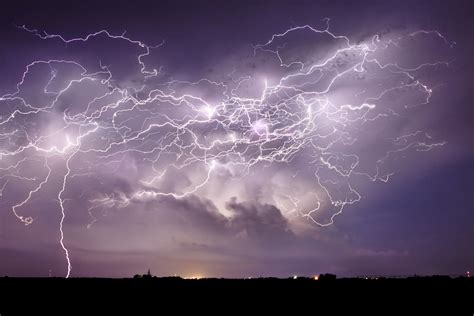 Lightening Step 3 step by step guide to stacking lightning images jason weingart photography
