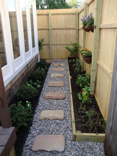 Gravel Side Yard Gardens Planters And Side Yards On