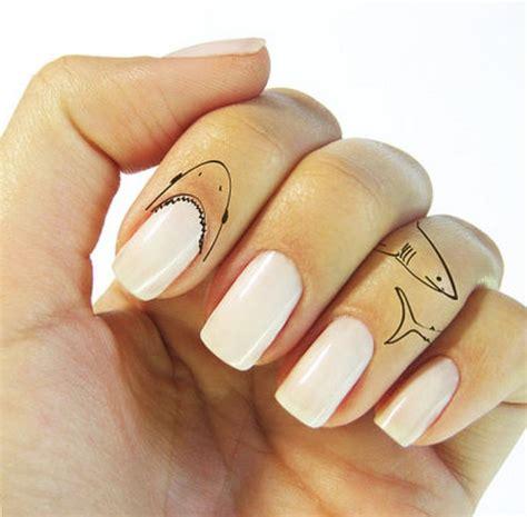 Ferocious Temporary Tattoos : Shark Finger Tattoo