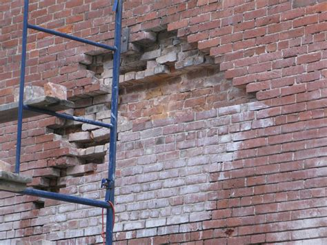 Backsteinmauer Sanieren file brick wall repairs jpg