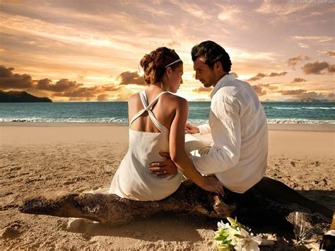 love couple wallpaper gallery couple in love picture love wallpapers romantic