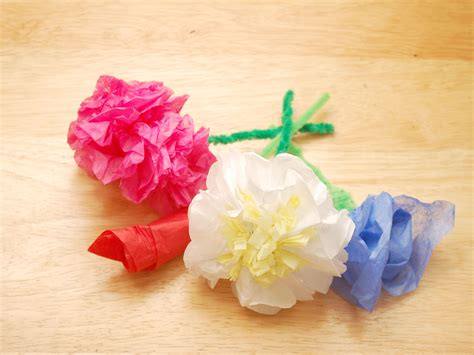 How To Make Flowers Out Of Tissue Paper Easy - 4 ways to make tissue paper flowers wikihow