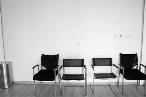 wallpaper nuansa hitam putih ide desain ruang tamu nuansa putih terbaru biyanbbs com
