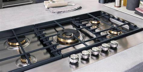 piano di cottura in vetroceramica a gas piano cottura a induzione a gas o elettrico cose di casa