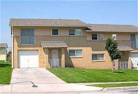 bennett building apartments   broadway council bluffs ia  rentalhousingdealscom