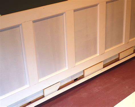 How To Put Up Wainscoting Panels How To Build Wainscoting Plans Diy Free Free