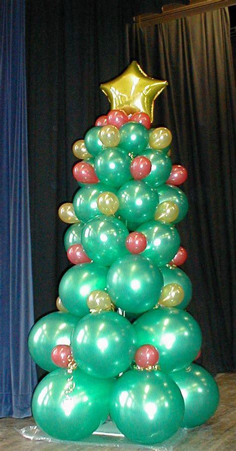 how to make a balloon christmas tree photos 2