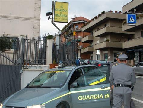 sede inps roma tiburtino la guardia di finanza perquisisce la sede di equitalia di