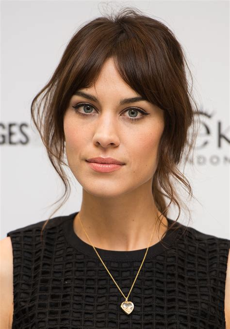 bangs in or out how does alexa chung keep her fringe not greasy