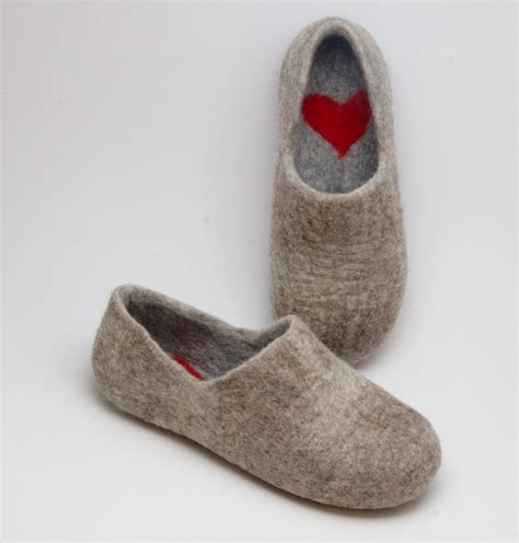 Slippers Handmade - felted warmest clogs felt organic merino wool neutral