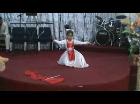 imagenes cristianas la niña de tus ojos danza cristiana quot la ni 241 a de tus ojos quot por ni 241 a youtube