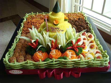 membuat hiasan tumpeng nasi kuning dewi kurnia madya n contoh hias kreasi tumpeng paling menarik
