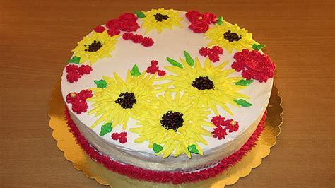 decorating for beginners how to decorate cake for beginners step by step youtube