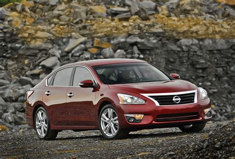 2012 Nissan Altima Mpg by 2012 Nissan Altima Review Specs Pictures Price Mpg