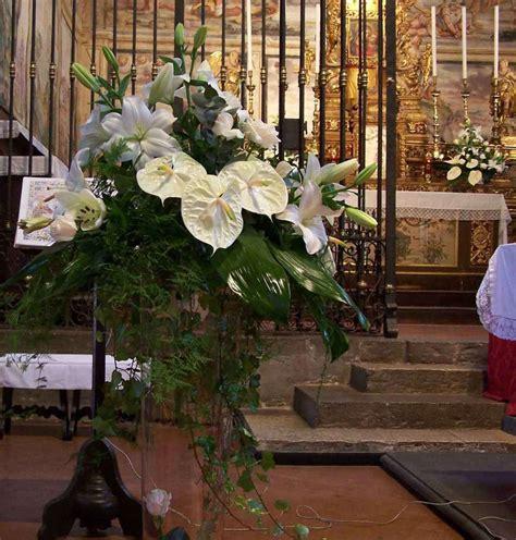 composizioni fiori matrimonio addobbi floreali per la chiesa per un matrimonio foto