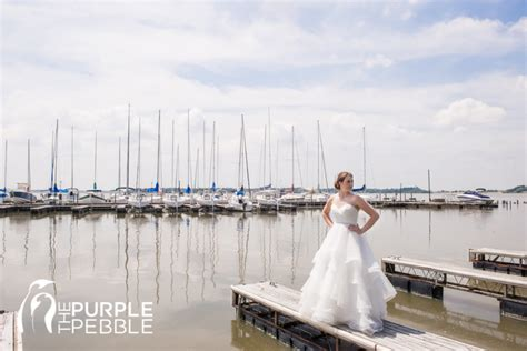 boat club eagle mountain lake outdoor bridal photography with boating docks the purple