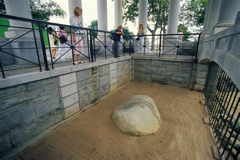 what of rock is plymouth rock plymouth rock massachusetts history and how to visit
