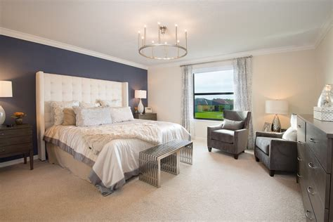 words  describe  master bedroom
