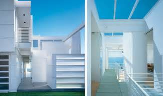 modern house with white exterior paint by richard meier digsdigs