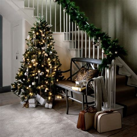 christmas themes for hallways gold and silver accessories christmas hallway ideas