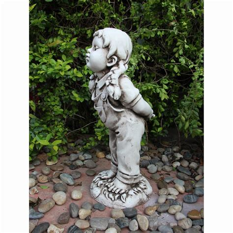 kissing girl statue garden decorations statues bm