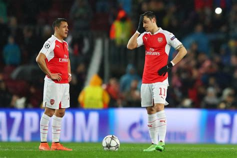 alexis sanchez contract extension arsenal keeping arsene wenger is more important than mesut