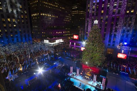 Christmas In Rockefeller Center 2014 Photos 82nd Annual Lights In New York 2014