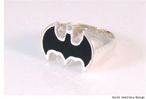 Dc Fira dc comics firar 75 229 r med smycken ha batman p 229 fingret