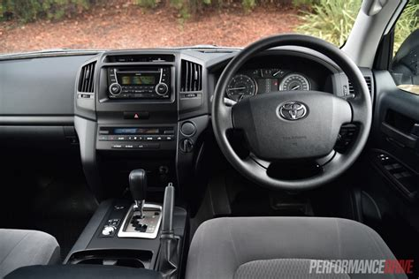 2016 Toyota Landcruiser Gx Review Performancedrive