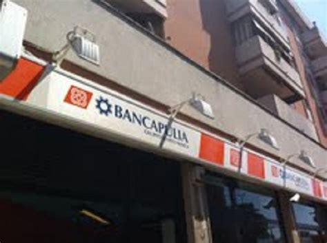 apulia filiali paura a lecce donna rapinata al bancomat telerama news