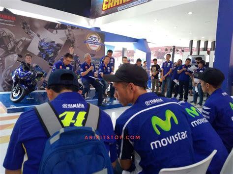 Baju Crew Motogp Yamaha aripitstop 187 sudah diproduksi yamaha resmi jual motor livery motogp movistar