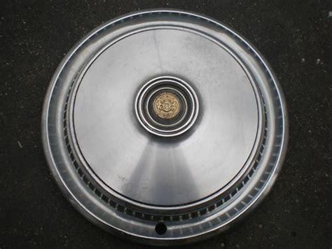 chrysler hubcaps chrysler cordoba oem factory wheel hubcap 15 1 4 quot diameter