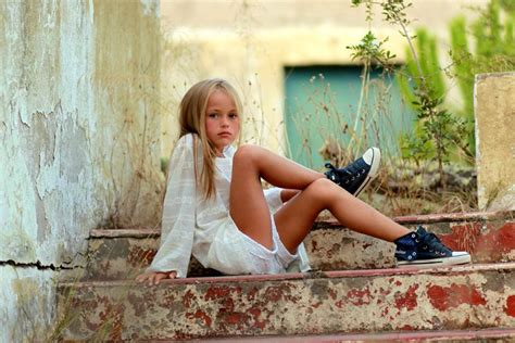 Kristina Pimenova Model 9 Years Old Girl | kristina pimenova 9 year old model attracting the wrong