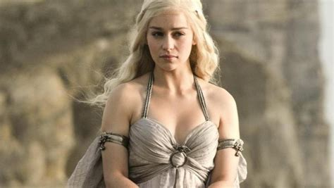 emilia clarke game of thrones here s how emilia clarke really feels about all those