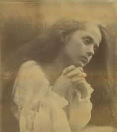 libro julia margaret cameron 55 1000 images about julia margaret cameron on portrait photographers and alice liddell