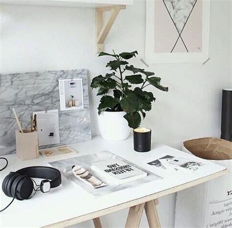 tumblr white bedroom tumblr white bedroom home design ideas murphysblackbartplayers com