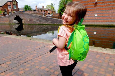 Trunki Paddlepak Sheldon The Turtle the trunki paddlepak sheldon the turtle a review