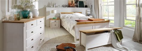 schlafzimmer massivholz landhausstil schlafzimmer landhausstil aus massivholz