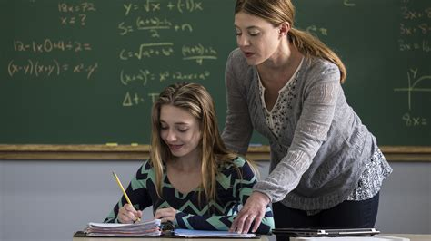 teacher flashes students tips for handling hot flashes at work empowher women s