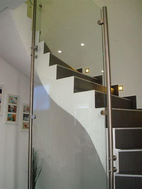 va treppengeländer va treppengel 228 nder mit klarglasf 252 llung und va glashalter