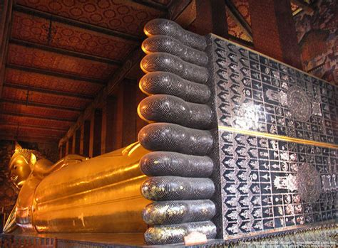 wat pho reclining buddha world travel bangkok temples tour including reclining buddha at wat pho